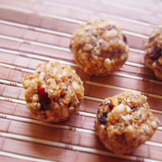 No Bake Energy Bites with Oats and Puffed Rice.