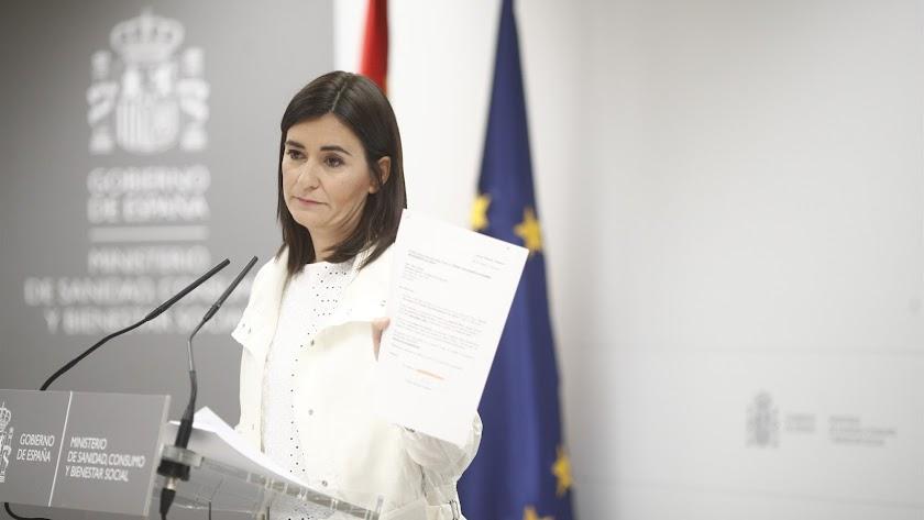"""La ministra de Sanidad niega """"irregularidades"""" en su Máster"""