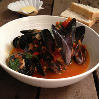 Madeira Mussels in Tomato and Chilli Sauce