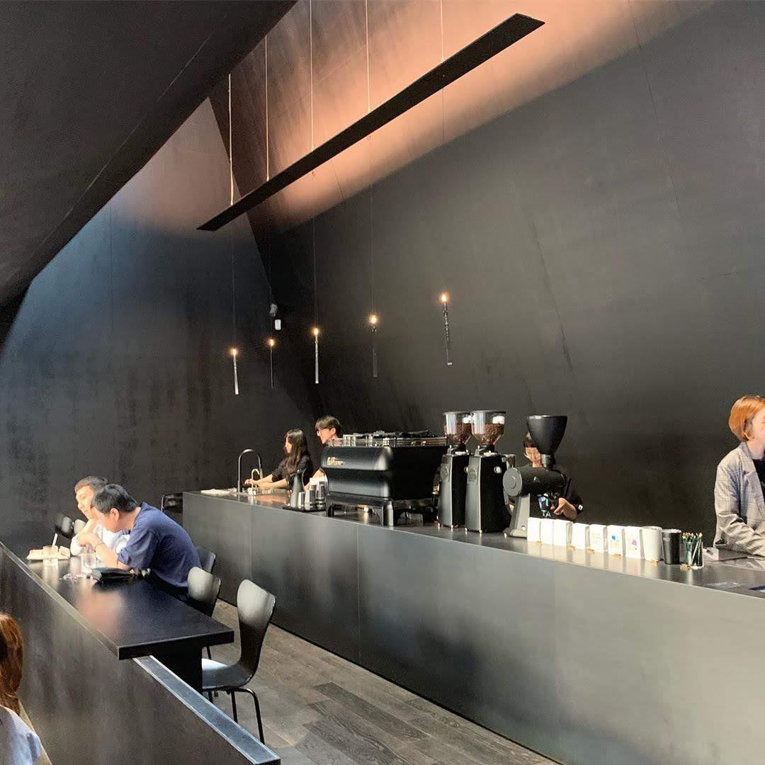 THIẾT KẾ QUÁN CAFE TÔNG ĐEN