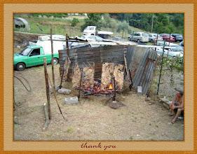 Photo: Sagra 2005 - Preparazione della Sagra - Si cuoce l'Asado - Foto 9 di 26