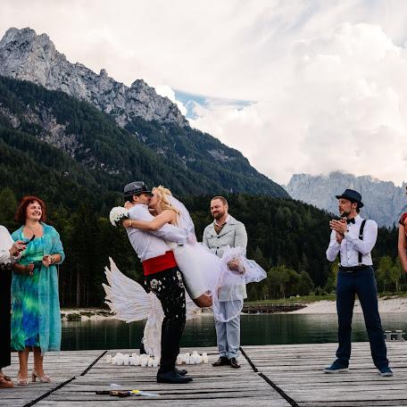 Wedding photographer Polona Avanzo (avanzo). Photo of 19.03.2019