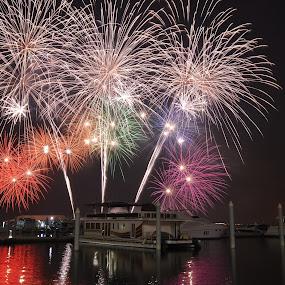 Fireworks in Dubai Festival City by Roland Viado - Public Holidays Other ( dfc, dubai, fireworks )