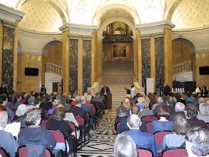 Photo: Inauguration de l'exposition the Gabonionta dans le hall d'entrée du Musée d'Histoires Naturelles NHM.Christian KOEBERL, Directeur du Musée d'Histoires Naturelles de Vienne NHM.