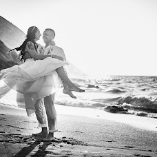 Wedding photographer Maksim Prikhodnyuk (Photomaxcrete). Photo of 11.09.2018