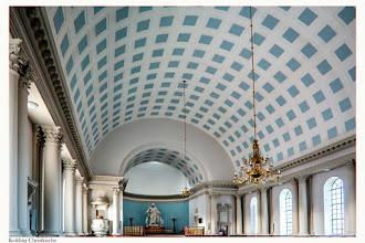 Photo: Kolding Kristkirke Kristkirken ist, mit seinen 700 Sitzplätzen, die größte Kirche in Kolding. Die Kirche ist von den Architekten Svane und Jørgensen im Jahre 1925 gebaut, im neoklassizistischen Stil, stark von der Kathedrale von Kopenhagen (und Ludwigslust ?) inspiriert, die etwa 100 Jahre früher gebaut wurde.