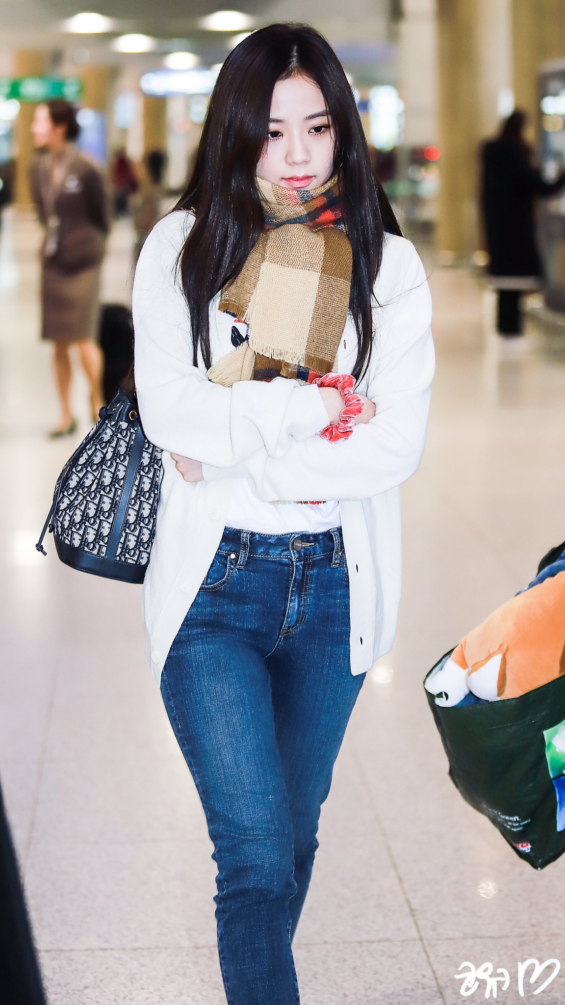 9-BLACKPINK-Jisoo-Airport-Photo-Incheon-21-January-2019