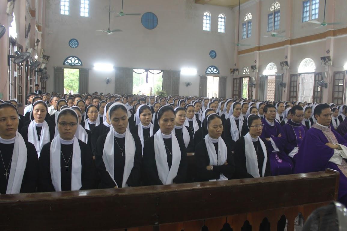 Thánh Lễ An Táng Nữ Tu Anna Trần Thị Phượng - Dòng Mến Thánh Giá Vinh - Ảnh minh hoạ 16