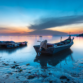 Hammer Bay by Lim Keng - Transportation Boats