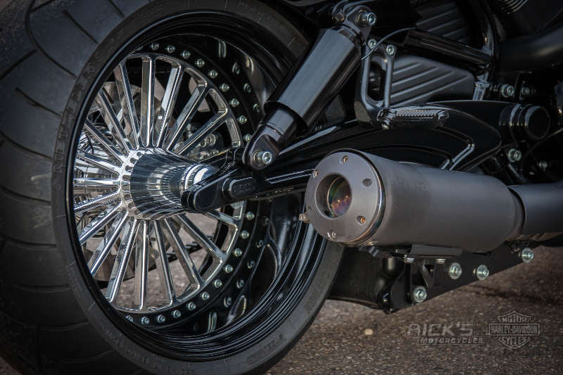"Harley Davidson V Rod ""Muscle"" by Rick's Motorcycles"