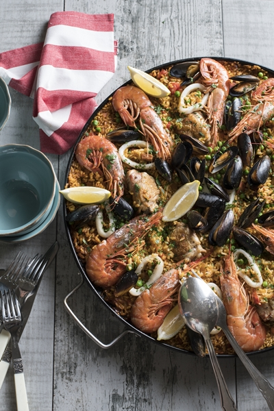 Crowd-pleasing paella.