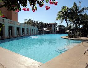 Photo: Biltmore -hotellin uima-allas, kuulemma maailman suurin hotellin uima-allas - tänne, jos joskus tulemme Miamiin pitemmäksi aikaa!