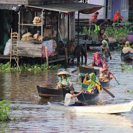 activity by UTHE  ARM - Transportation Boats ( floating market )