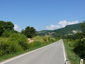 Photo: Een stukje nagenoeg vlak na een aardige klim naar Chiusi della Verna en Verna.