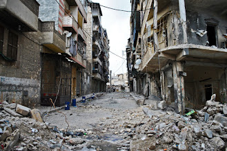 Photo: A residential area left in ruins and abandoned after intense fighting between Syrian rebel fighters and government forces. Aleppo, SYRIA - 11/4/ 2013. Credit: Ali Mustafa/SIPA Press