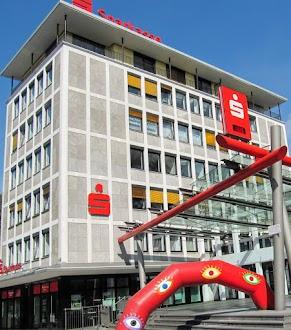 Hauptgeschäftsstelle der Sparkasse HRV in Velbert.