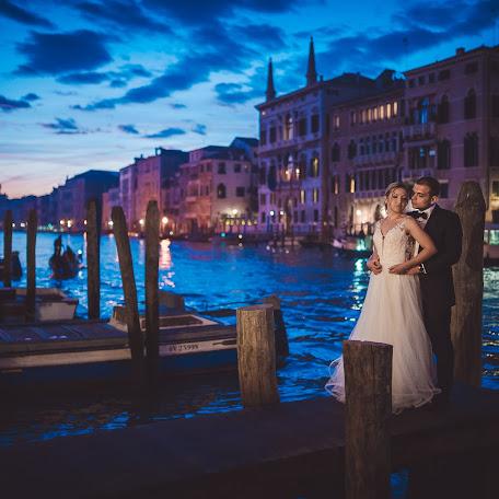 Wedding photographer Marius Godeanu (godeanu). Photo of 22.11.2017