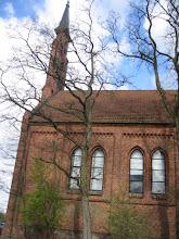 Photo: O 10:00 spotkaliśmy się w Nekielce pod poluterańskim, pochodzącym z 1884 roku, kościołem.
