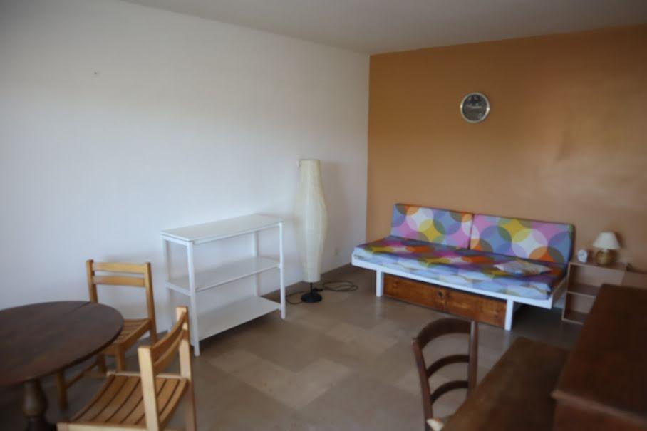 Location  studio 1 pièce 26 m² à Autun (71400), 320 €