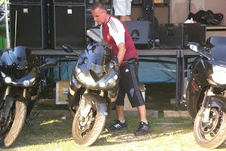 Photo: Auch die Motorräder müßen wieder an Ihren Platz