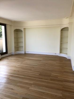 Location appartement 4 pièces 162 m2