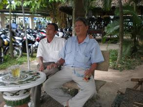 Photo: Thầy Miêng & thầy Xuân (từ Xuân ốm xưa rồi Diễm ơi!)