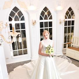 Bride(2) by 敬昕 涂 - Wedding Bride ( bride, 敬昕 涂, beauty, church, portait, wedding, 涂敬昕, people )