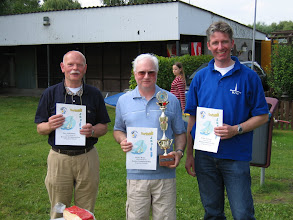 Photo: De winnaar Michel, geflankeerd door Erwin (2e) en Nico (3e).