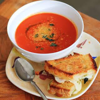 """""""Creamy"""" Tomato Soup."""