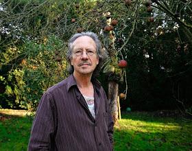 Photo: handke in his garden