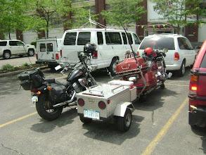 Photo: Pra esquentar, uma visitinha na Mendelsohn. No estacionamento da  nunca falta um radioamador...