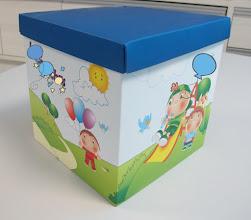 Photo: Caixa (1) grande com tema infantil - Para embalar presentes, usar como organizador ou porta objetos.