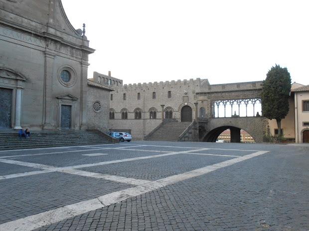 Palais des papes à Viterbo - Via Francigena 2015