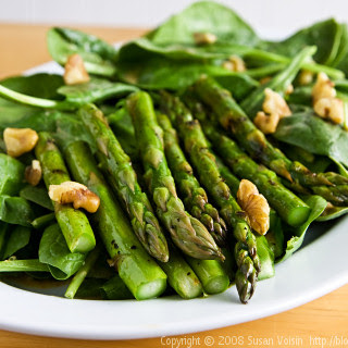 Grilled Asparagus and Spinach Salad.