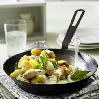Sautéed Gnocchi with Chicken and Cream Sauce.