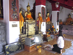 Photo: in the gallery of Buddha images on the base of the chedi of Wat Phra Mahathat