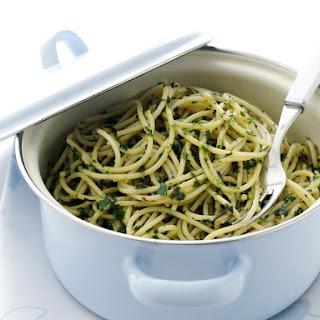 Spaghetti with Parsley and Basil Pesto
