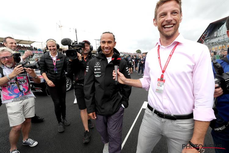 📷 Voormalig F1-wereldkampioen laat liefde voor de veldritfiets zien en geeft tip voor wielerkledij