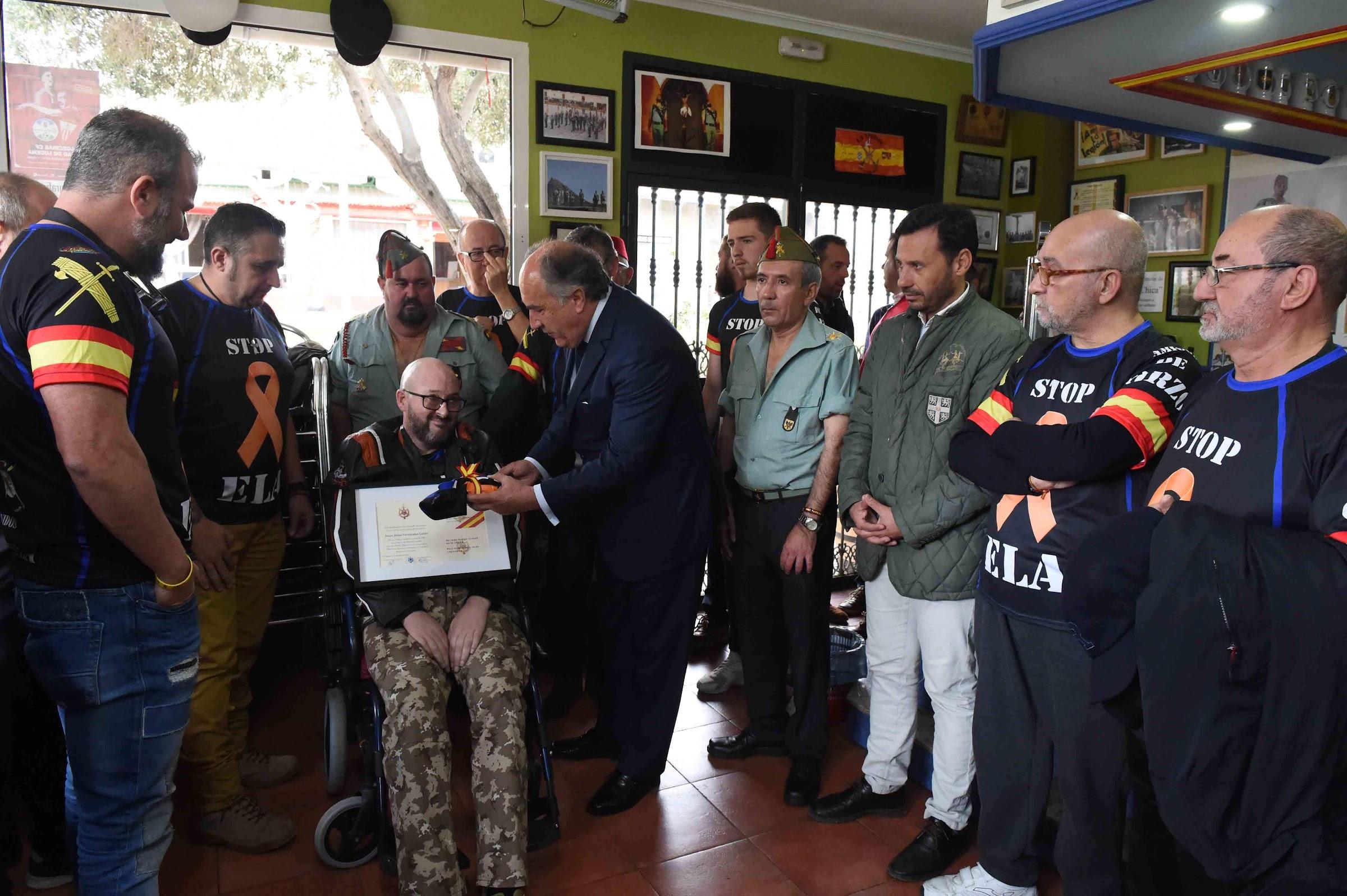 Landaluce apoya la causa contra la ELA en la Hermandad de Antiguos Caballeros Legionarios