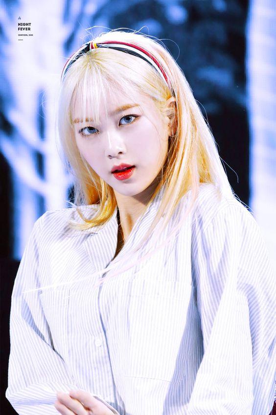 jiho blonde 33