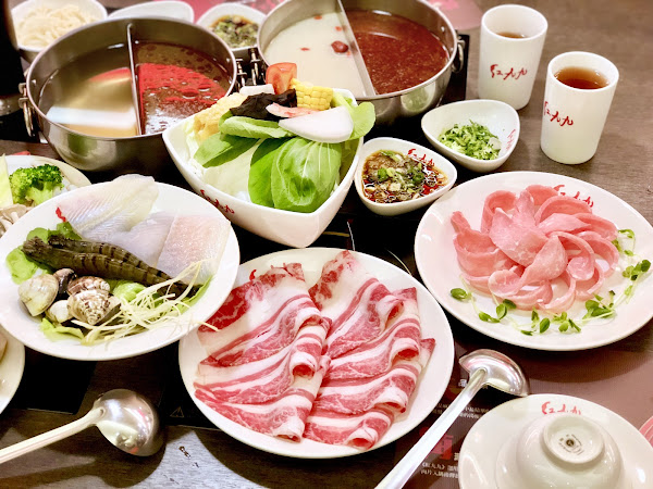 市政府國父紀念館美食紅九九個人鴛鴦鍋一個人就能吃的麻辣鍋超夠味