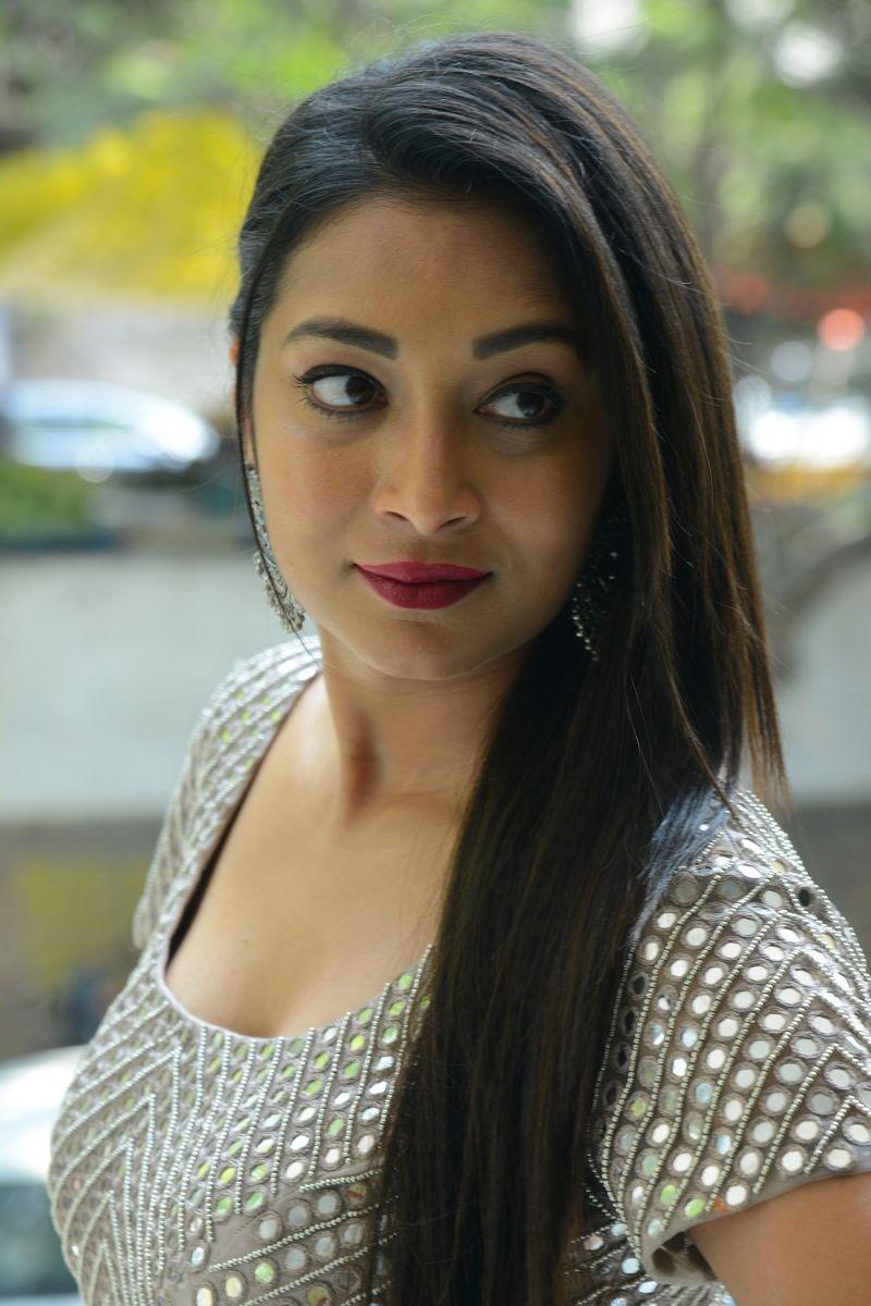 Telugu actress Bhanu Shree stills at Samudrudu Movie Press Meet. Navel Queens