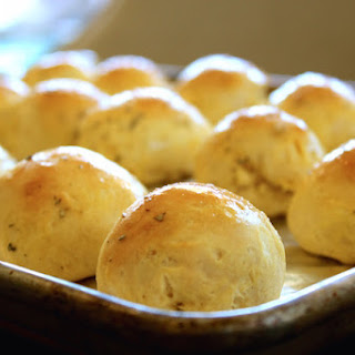 Insanely Easy 5-Ingredient Garlic and Herb Cheese Bombs