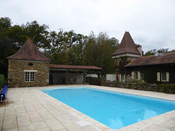 propriété à Saint-Jory-de-Chalais (24)
