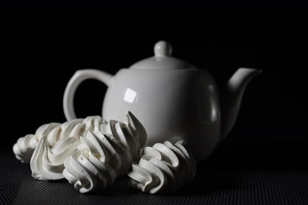 Teatime in white di Barbara Surimi