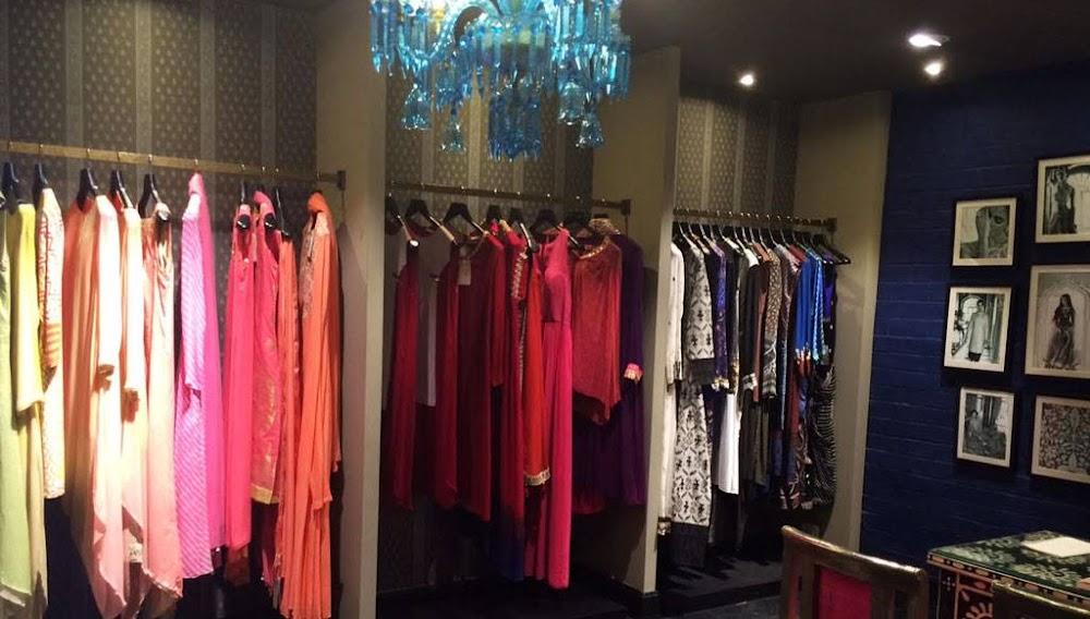 khan-market-wedding-shopping-in-delhi_image