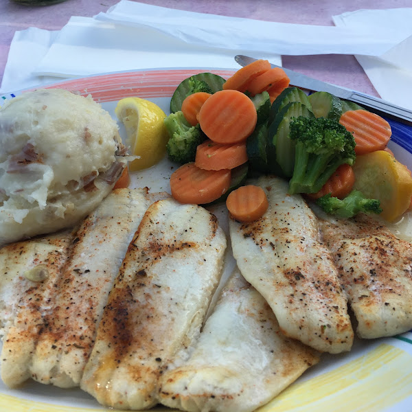 Broiled Flounder, mashed potatoes and steamed veggies