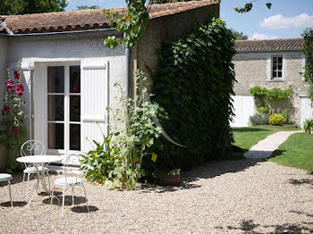 maison à La Jarne (17)