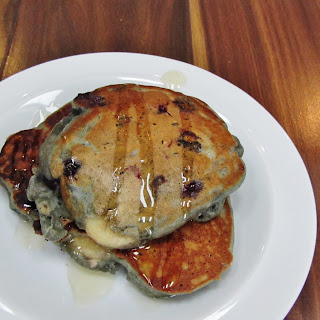Banana and Blueberry Pancakes and the #EarlyBirdChallenge