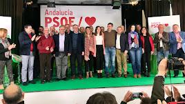 Susana Díaz en una foto de familia con los candidatos a ls elecciones municipales de la Alpujarra almeriense.